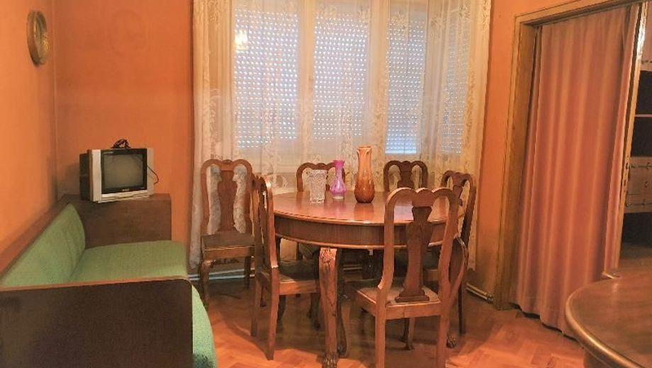 тристаен апартамент габрово nycsepyr