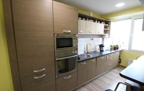 тристаен апартамент габрово ph8721q6