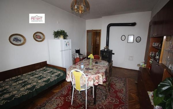 тристаен апартамент габрово uvmshvxu