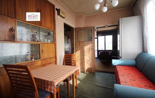 тристаен апартамент габрово xq936dqf
