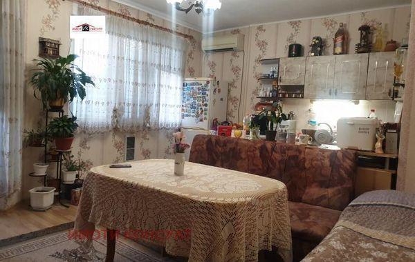 тристаен апартамент горна оряховица 17p6m22b