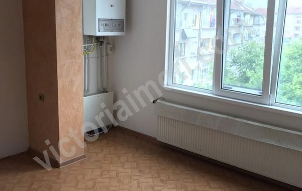 тристаен апартамент горна оряховица 6ybuj52h