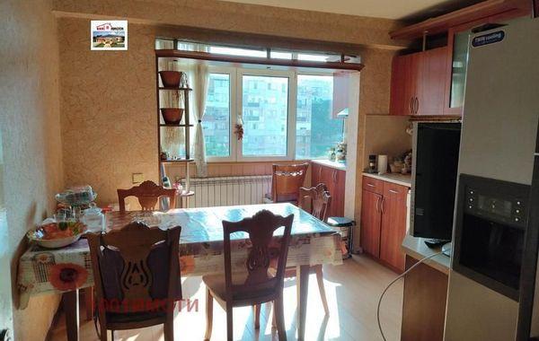 тристаен апартамент добрич cag6p34a