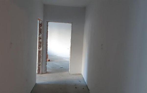 тристаен апартамент добрич lr6kemy1