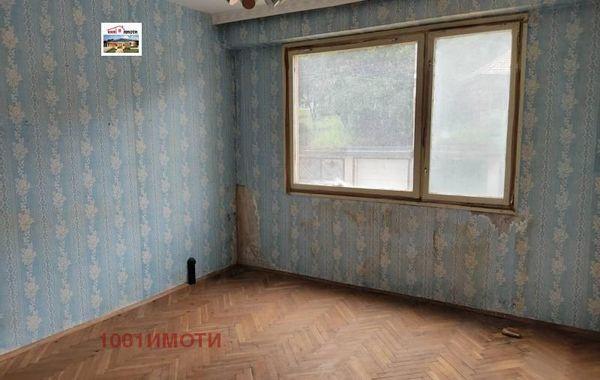 тристаен апартамент добрич wvmfs4k5