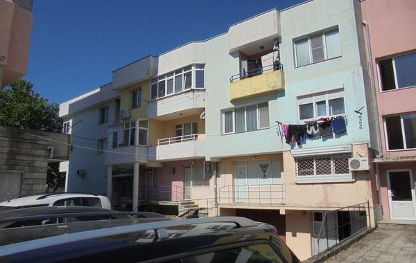 тристаен апартамент каварна ey6fdt11