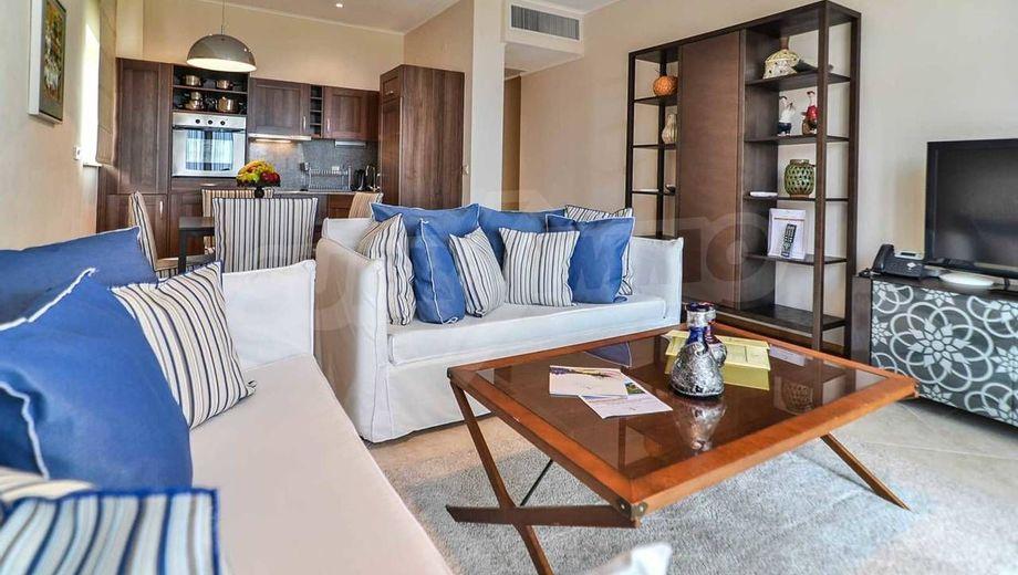 тристаен апартамент каварна q2uuyt85
