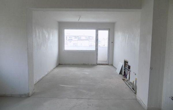 тристаен апартамент кърджали rpa5b37q