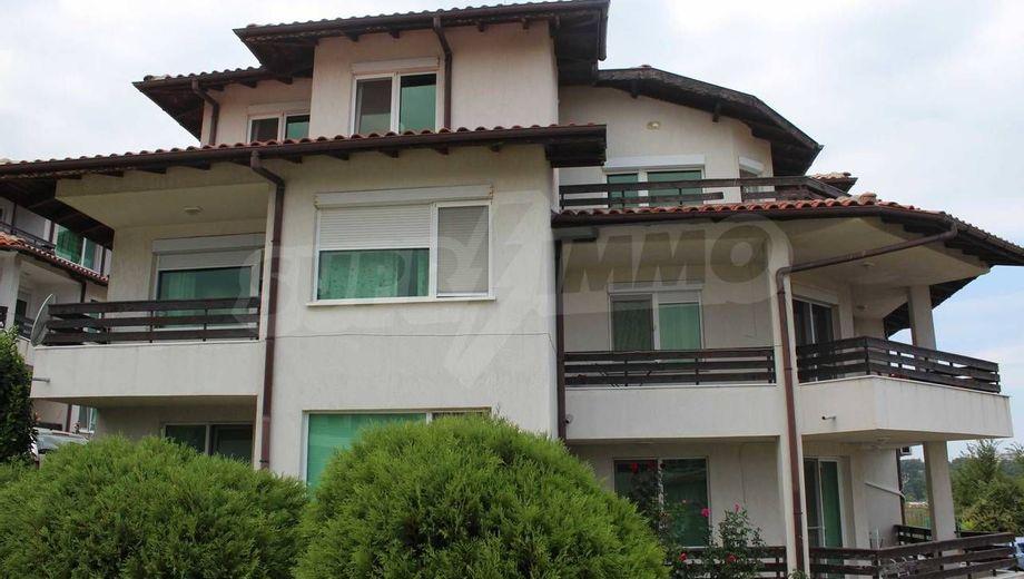 тристаен апартамент лозенец f3c457ul