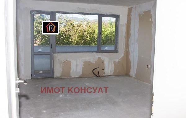 тристаен апартамент мездра 3ay98p9h
