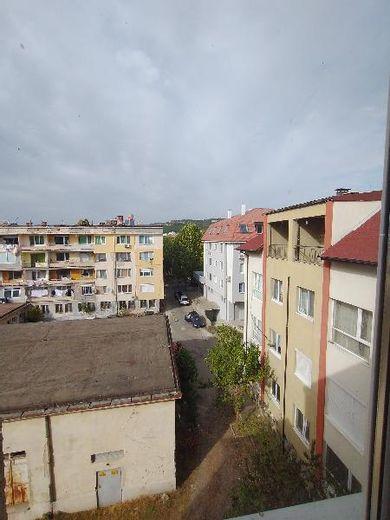 тристаен апартамент момчилград agj2fup1