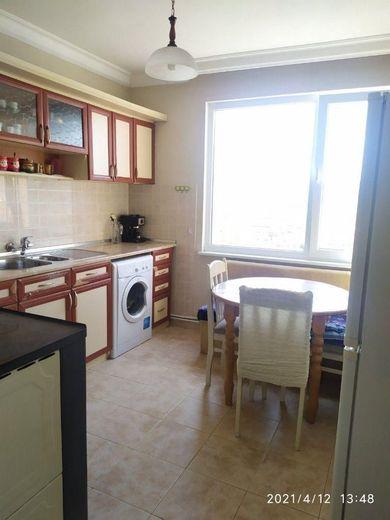 тристаен апартамент момчилград jhe6qqg2
