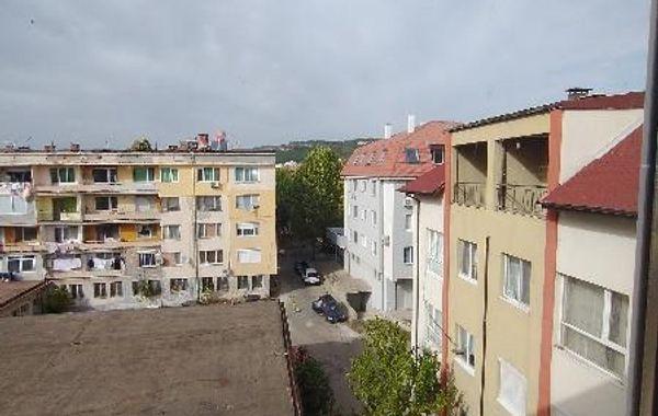 тристаен апартамент момчилград vp7jg1qr