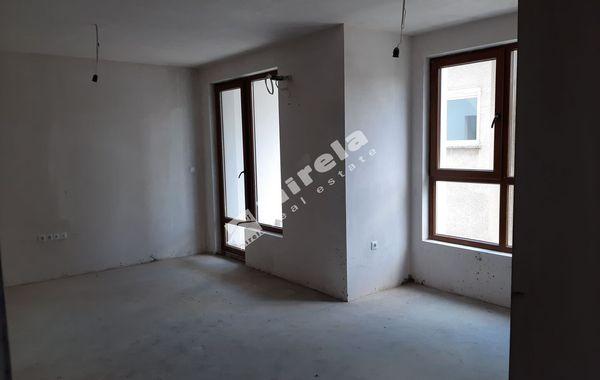 тристаен апартамент несебър 4hnqhv5n