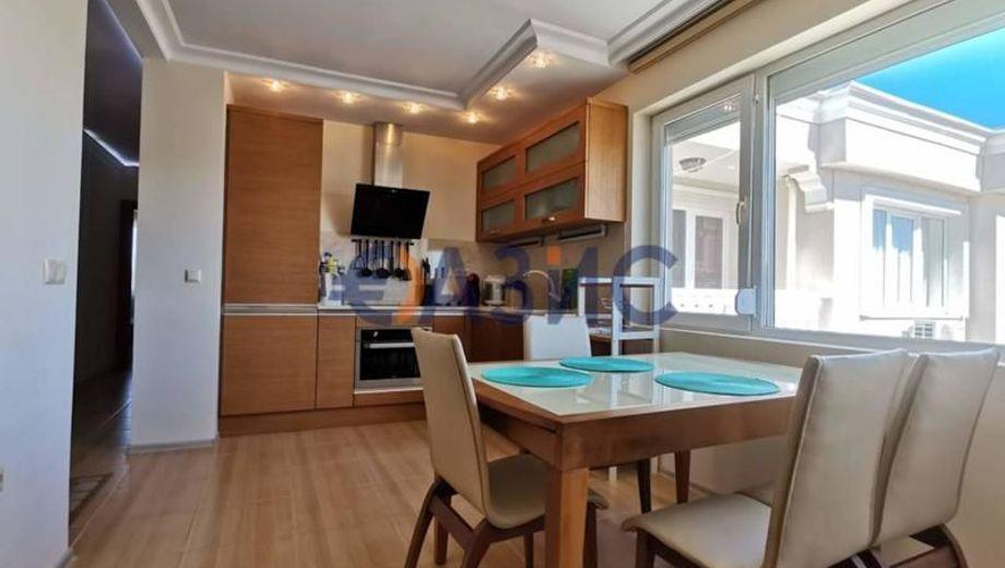 тристаен апартамент несебър 67dr148v