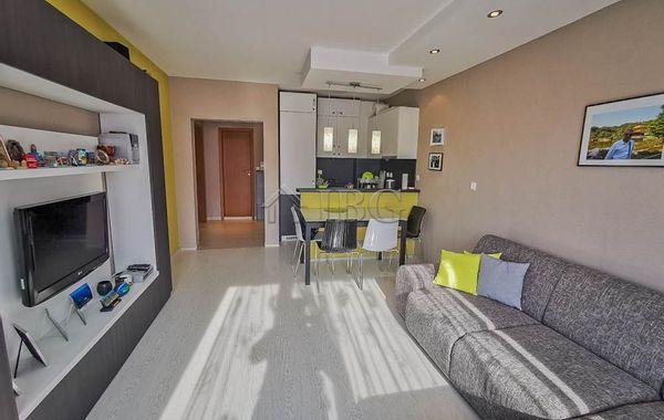 тристаен апартамент несебър 8ecgcvv5