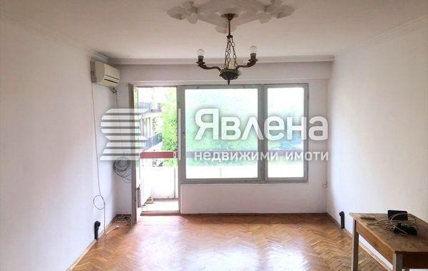тристаен апартамент несебър cmxwx438