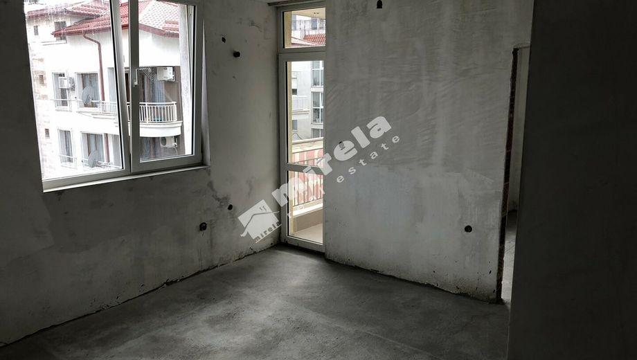 тристаен апартамент несебър ea788ysh