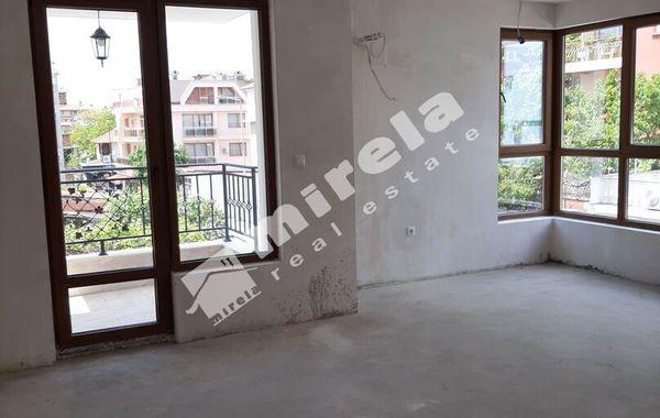 тристаен апартамент несебър k13fpk2r