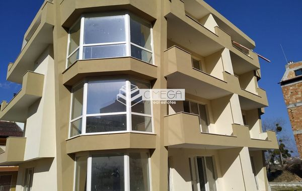 тристаен апартамент несебър utk35f7c
