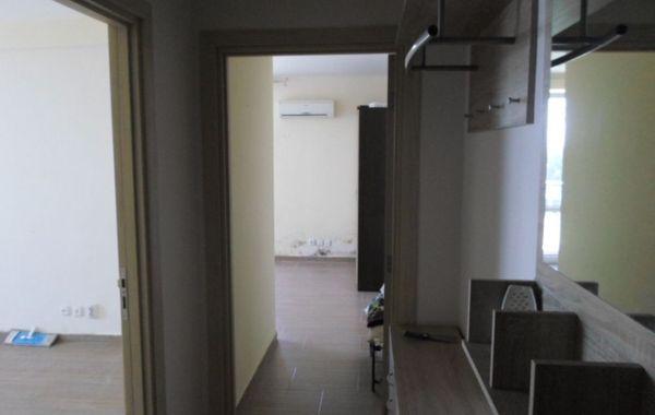 тристаен апартамент несебър x89bt8xt