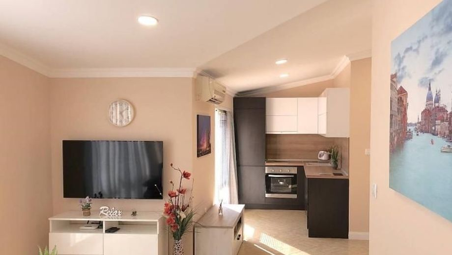 тристаен апартамент несебър xyy5m7cb