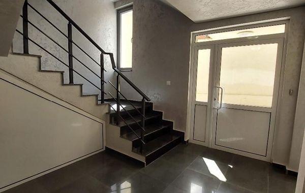 тристаен апартамент пазарджик 5616r1hs