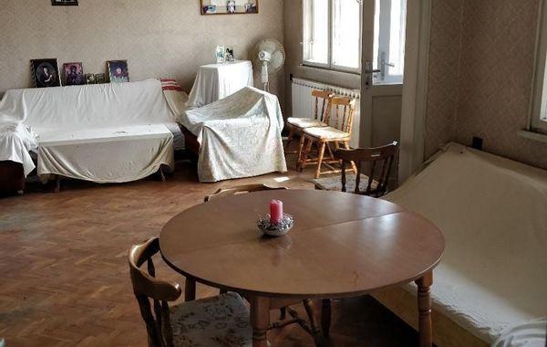 тристаен апартамент пазарджик 61fgst9l