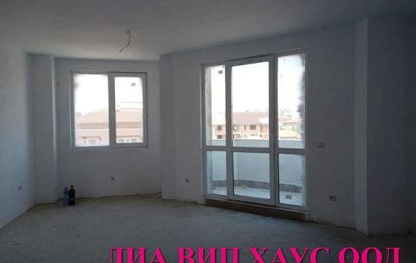 тристаен апартамент пазарджик 62j4geaj