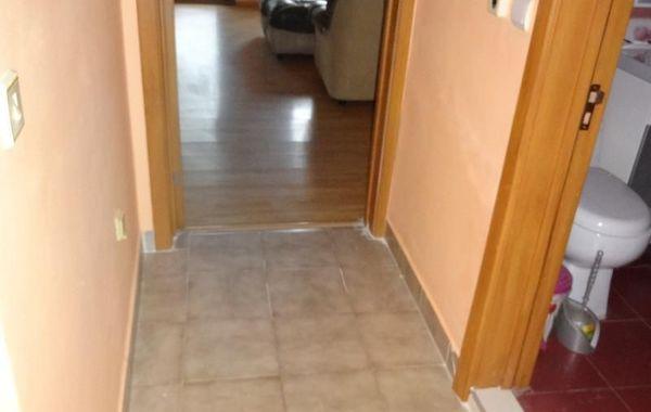 тристаен апартамент пазарджик jfn63r36