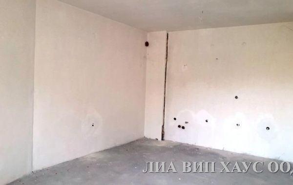 тристаен апартамент пазарджик q8jqnhua