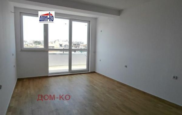 тристаен апартамент пазарджик wp237xcx