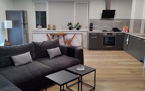 тристаен апартамент пазарджик xndal82p