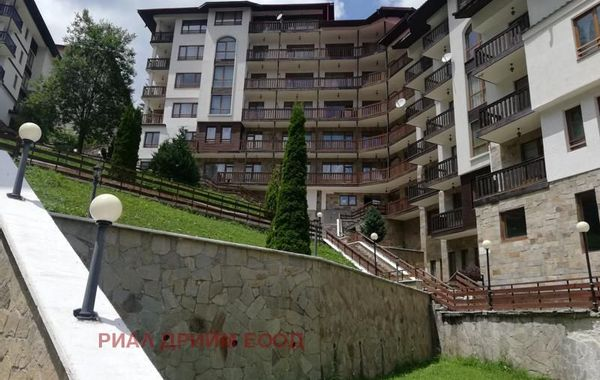 тристаен апартамент пампорово mu7xytv2