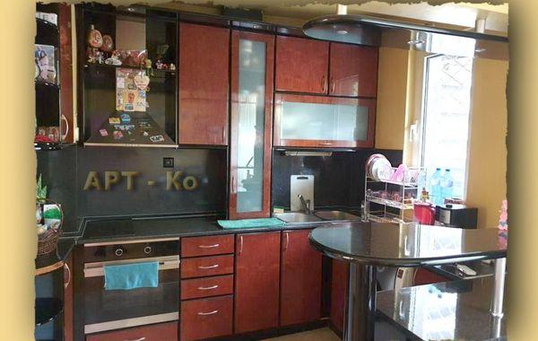 тристаен апартамент перник r34elpgr