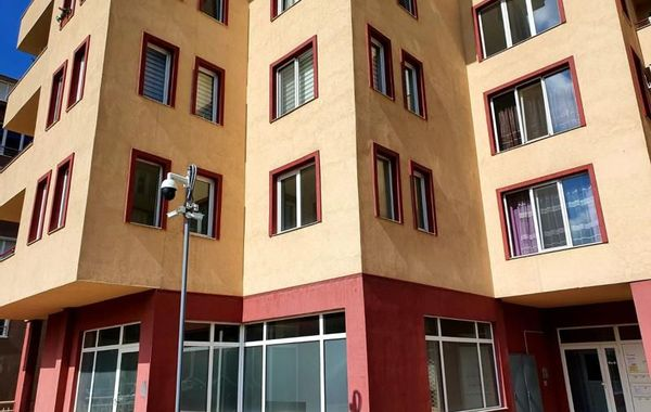 тристаен апартамент перник tnmmn88h