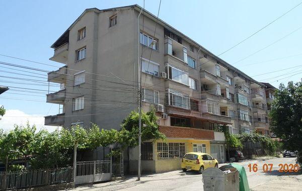 тристаен апартамент петрич 2a2qe4ae