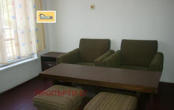 тристаен апартамент плевен c5g8d1y2