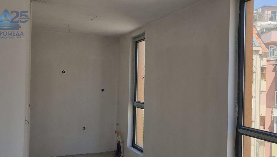 тристаен апартамент плевен qh45l1x6