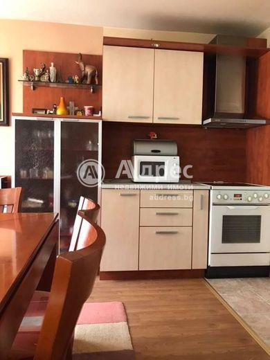 тристаен апартамент плевен rb655fsf