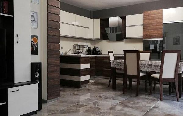 тристаен апартамент плевен svk6e25c