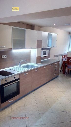 тристаен апартамент плевен ymcla9a2