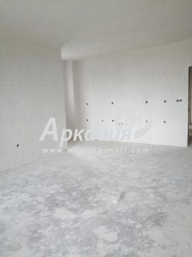 тристаен апартамент пловдив 4c179gkq