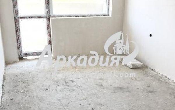 тристаен апартамент пловдив c7b2tfcv