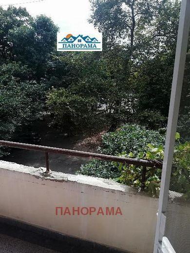 тристаен апартамент пловдив dkny98e1