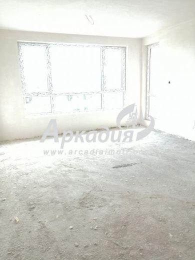 тристаен апартамент пловдив kur5hs89