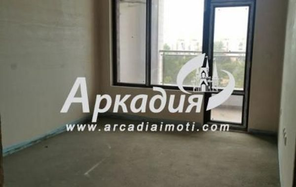 тристаен апартамент пловдив sp5haju1