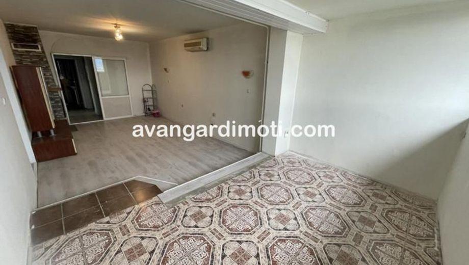тристаен апартамент пловдив sy2r5779