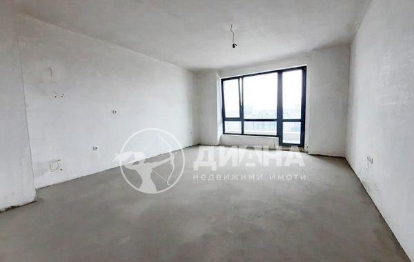 тристаен апартамент пловдив y235vgun