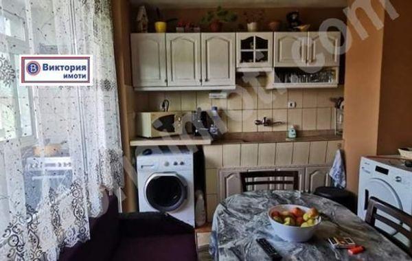 тристаен апартамент полски тръмбеш thf2p34c